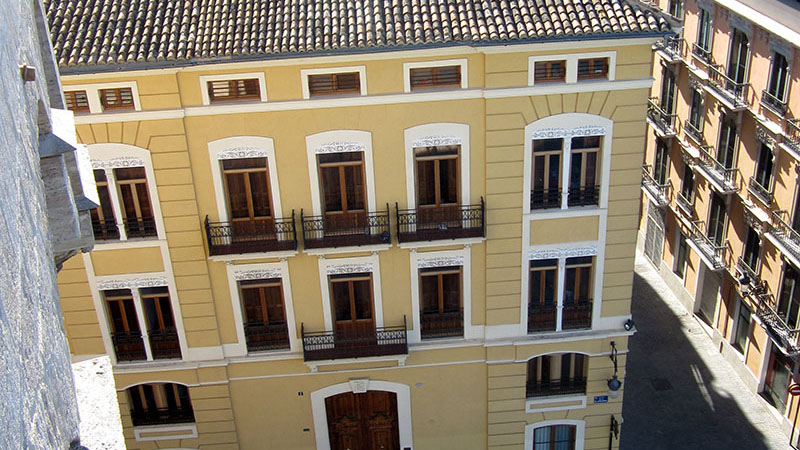 STUDY CENTER. View of the Study Center building from the Torres de Serranos.